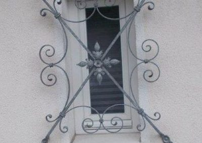 Fenstergitter, kunstgeschmiedet